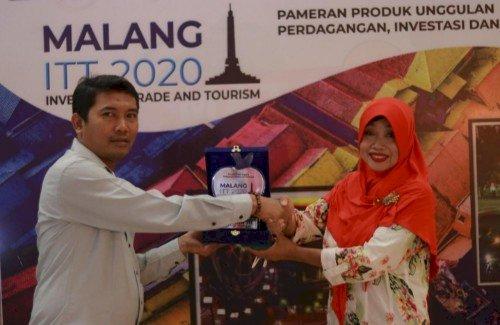 Disparbud Pamekasan Raih Stan Terbaik ke-3, dalam  Ajang  ITT 2020 di Malang